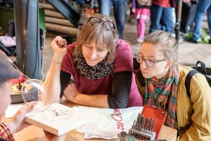 Repair Café Bern in der Café-Bar Turnahalle im Progr